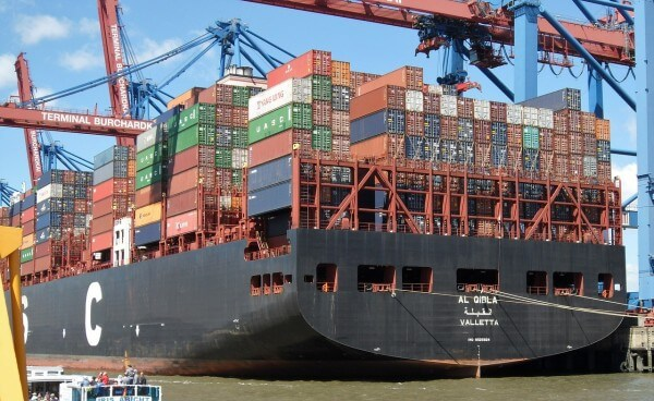 container-ship-2415897_1280
